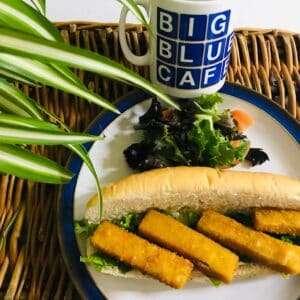 Fish finger , tartare & lettuce torpedo
